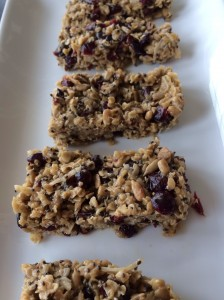 Know exactly what ingredients are in your bars! Make them yourself in minutes! And refrigerate!