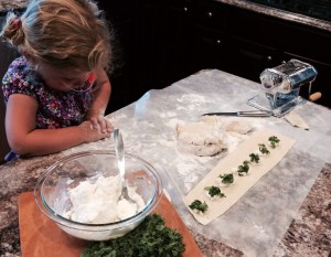 My assistant Bella helped me! See here how to space the spoons of filling.