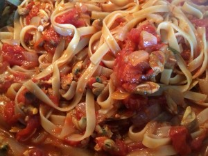 After photo.  See how the liquid is absorbed by the pasta. Continue to mix well so the clams are in every bite!